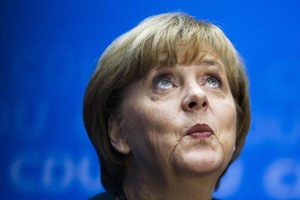 EÚ vyzerá ako ustatá korytnačka s Merkelovou sediacou obkročmo na jej pancieri a snažiacou sa pohnúť jej mdlou hlavou a prehovoriť jej brucho krvácajúce na hrboľatej zemi.