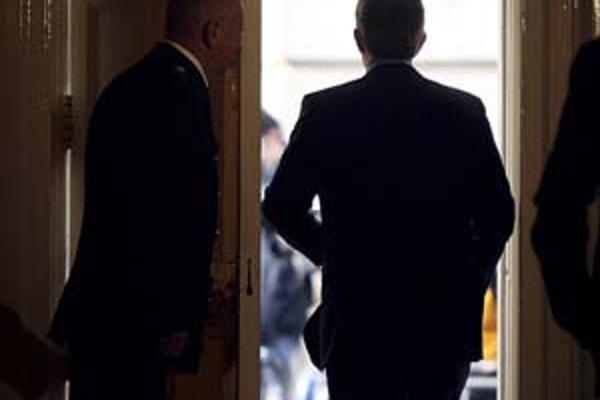 Po Downing Street 10 Blaira čaká ťažká misia.