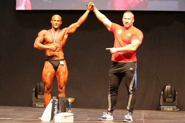 Matej Nociar (vľavo) a tréner Roland Brosman.