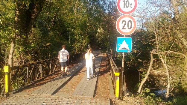 Na opravu čaká aj tzv. vojenský most.