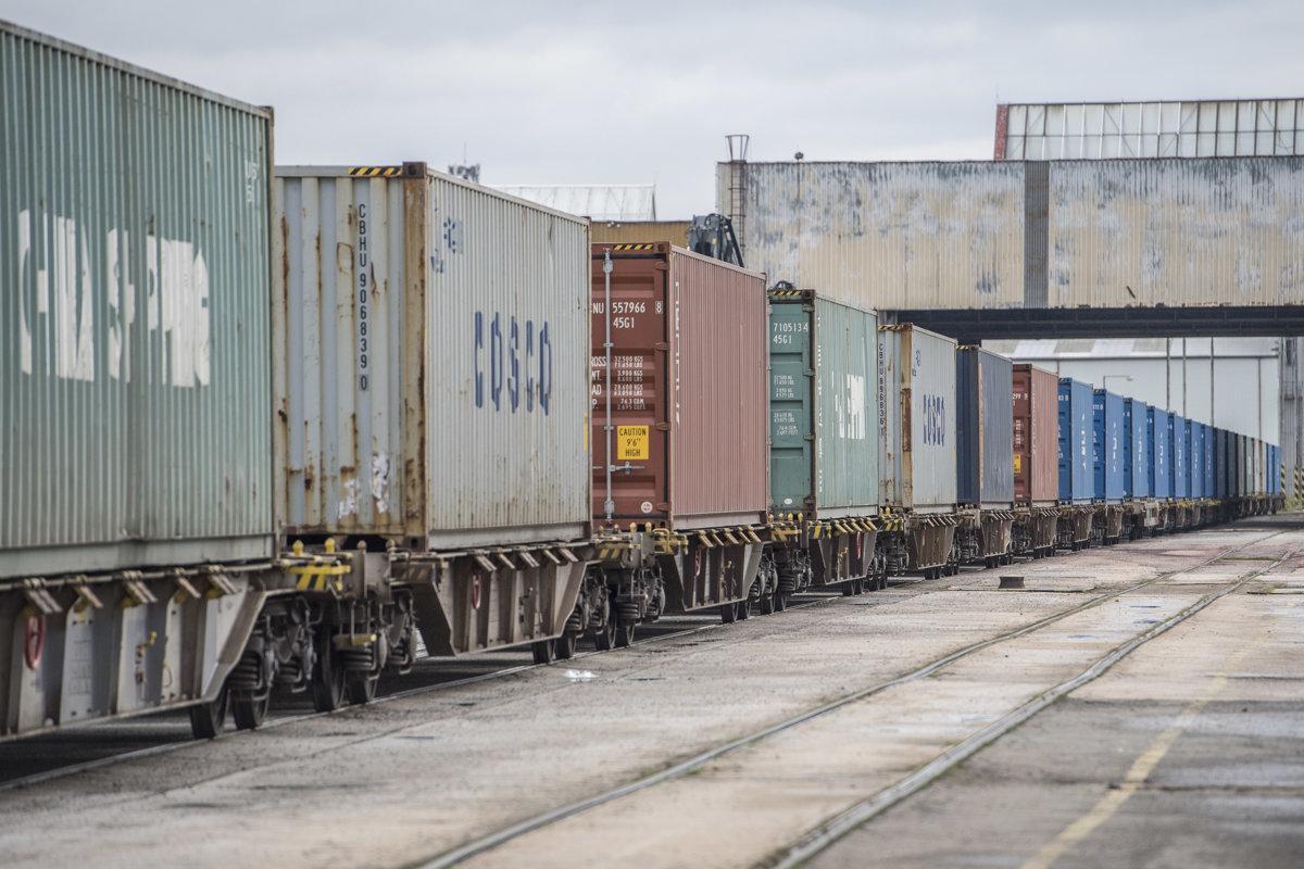 f131a0c50 Do Viedne prišiel prvý priamy nákladný vlak z Číny - Ekonomika SME