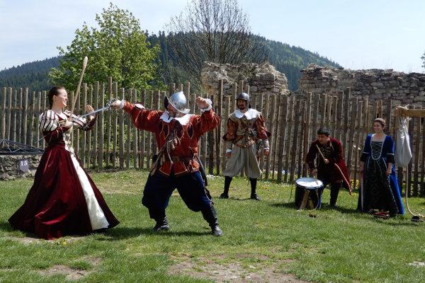 Program počas otvorenia sezóny na hrade Ľubovňa,