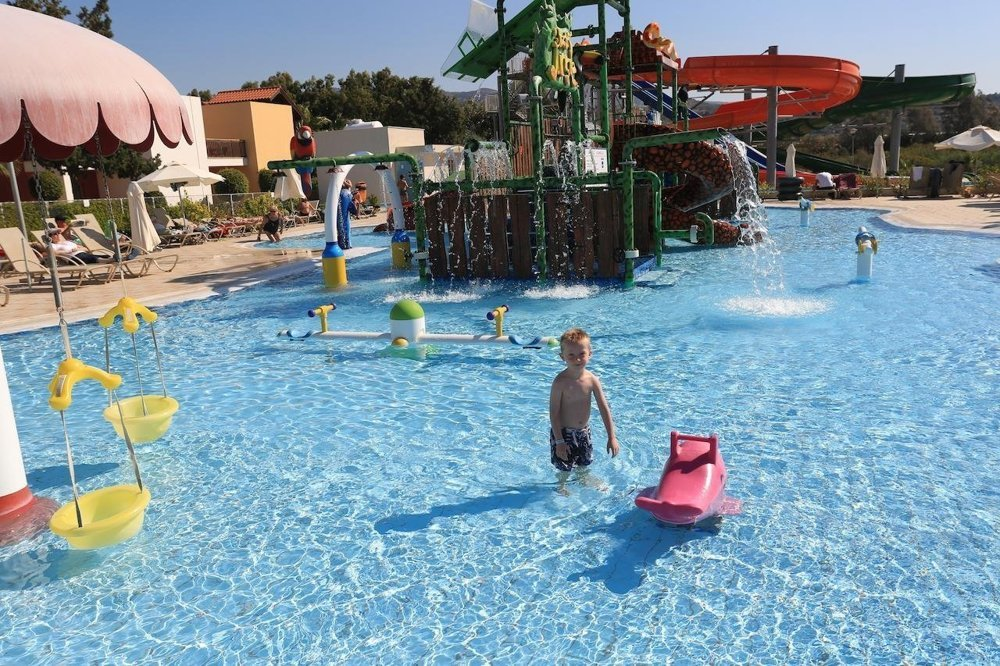 Hotel Aqua Sol Holiday Village 4*