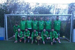 Víťazné Jaščurky. Vo finále porazili svojho odvekého rivala Partizan 10:7.