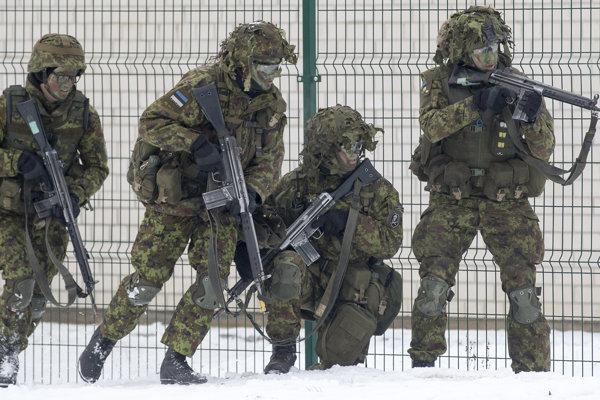 Estónski vojaci.