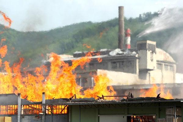 Požiar Smrečiny v roku 2009 sledovali z diaľky množstvo obyvateľov.