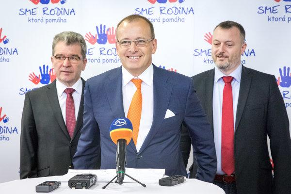 Sprava: Podpredseda hnutia Milan Krajniak a predseda hnutia Boris Kollár.