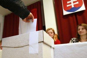 Doplňujúce voľby v Kostolnej Vsi a Veľkej Čause budú 9. apríla.