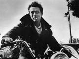 James Dean si zahral vo filme Rebel bez príčiny a imidž rebela už mu zostal.