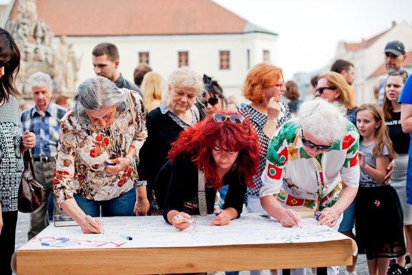 To, čo je slušné Slovensko, definovali ľudia priamo na námestí.