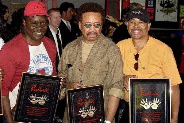 Zľava: Philip Bailey, Maurice White a Ralph Johnson zo skupiny Earth Wind & Fire.