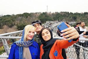 Selfie smladými Iráncami.