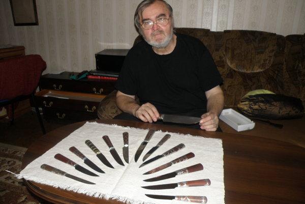 Milan Látka sa venuje výrobe nožov už vyše tridsať rokov