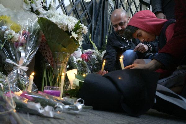 Egypťania si uctili smrť študenta pred talianskym veľvyslanectvom.