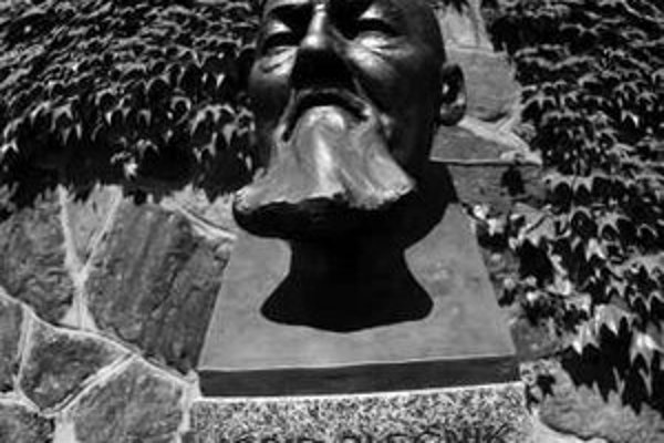 Busta slovinského architekta Josipa Plečnika bola odhalená minulý rok v záhrade Na Valoch na Pražskom hrade.