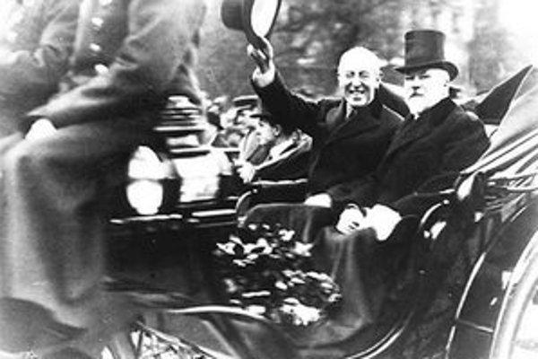 Raymond Poincaré (vpravo) s americkým prezidentom Woodrowom Wilsonom.