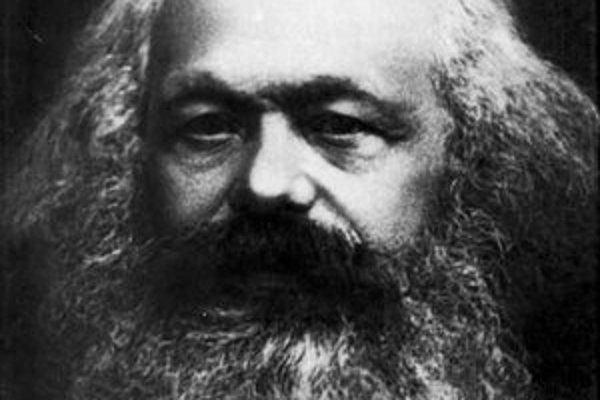 Najslávnejšie Marxovo dielo je jeho spis Kapitál, ktorý Friedrich Engels dovydával až po Marxovej smrti.
