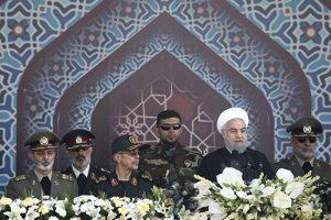 Iránsky prezident Hasan Rúhání (druhý sprava).