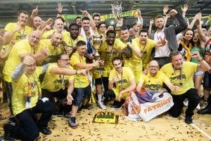 Levičania si zaslúžene vybojovali titul majstra Slovenska v basketbale.