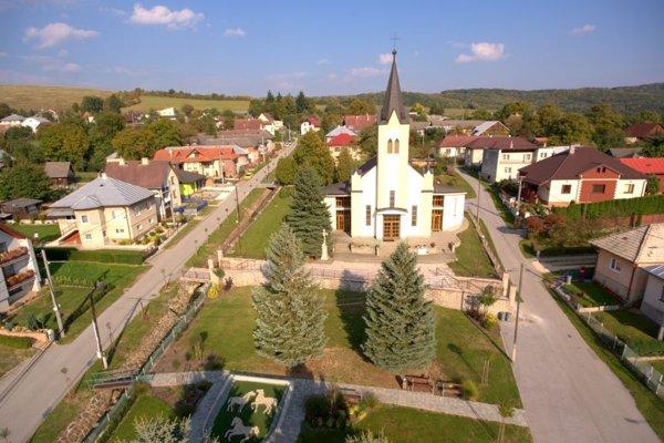 Letecký záber obce.