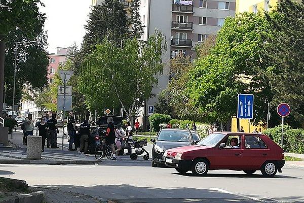 Kukláči zasahovali na ulici v Lučenci.