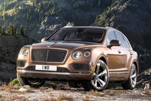 V kráľovskej zbierke áut je aj prvé sériové Bentley Bentayga.