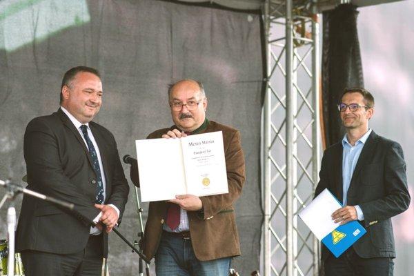 Pri svojej dvadsaťročnici dostalo Ecco v Martine pamätný list mesta.