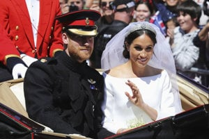 Harry a Meghan ako novomanželia.