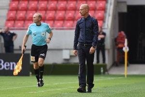 Nestor El Maestro a jeho prvý súťažný zápas na lavičke Spartaka. Trnava doma zdolala Michalovce 1:0 vďaka gólu Štefana Pekára.