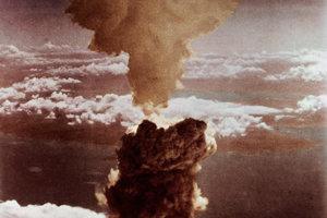 Výbuch jadrovej zbrane Fat-Man v Nagasaki 9. augusta 1945.