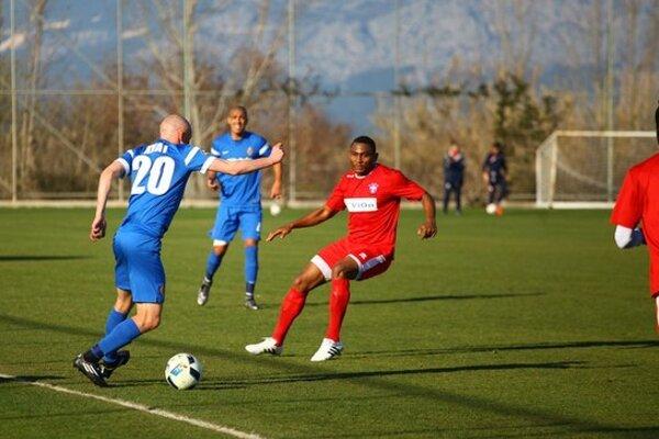 Skóre zápasu otváral Leandre Tawamba.