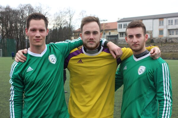 Nové tváre Pohronia. Zľava: Viktor Bališ, Dominik Holec a Daniel Hudák.