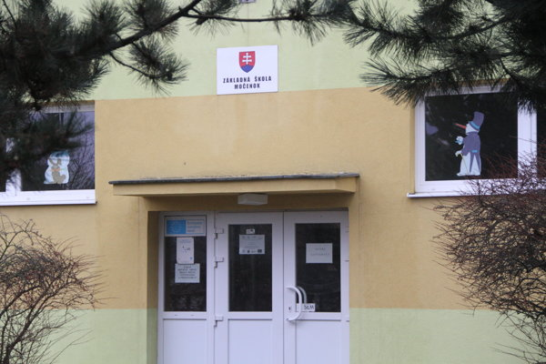Základná škola v Močenku.