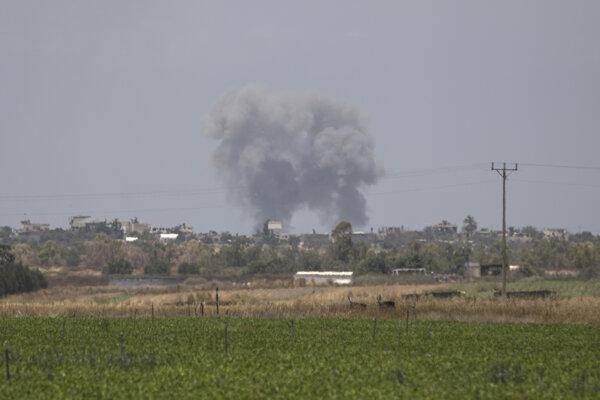 Izrael opätoval útok z Gazy. Bombardoval ciele militantov.