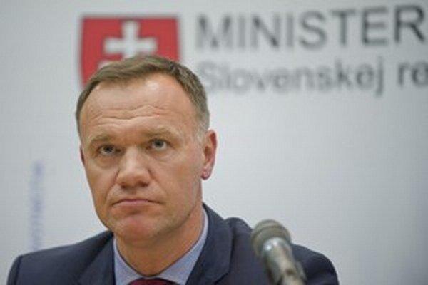 Minister Čislák je členom vlády len pár mesiacov.