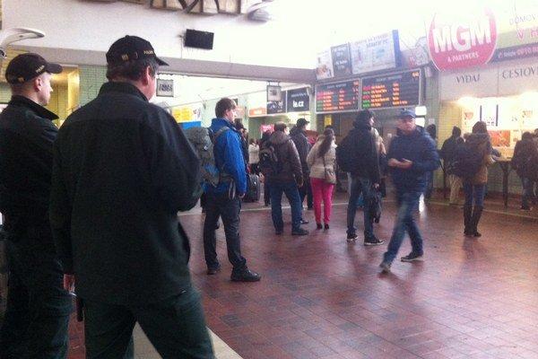 Polícia na stanici.