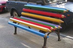 Zábavná lavička.