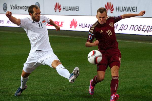 Rus Denis Čeryšev (vpravo) nechýba v nominácii na domáci svetový šampionát.