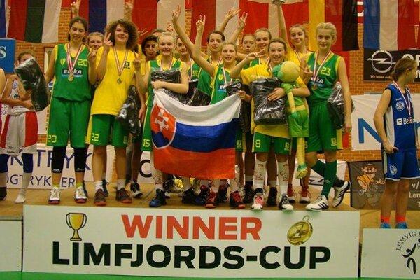 Víťazné družstvo Žilinčaniek na turnaji v Dánsku.