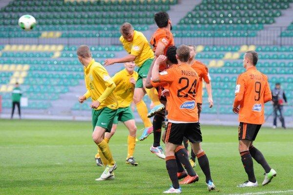 Pod Dubňom videli diváci päť gólov, ale i prehru domáceho celku.