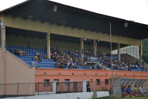 Sabinovský futbal smeruje do štvrtej ligy. Na tamojšom štadióne by sa však od novej sezóny mohla hrávať aj druhá najvyššia slovenská súťaž.