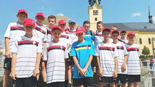 Mladí futbalisti stihli aj prehliadku mesta.