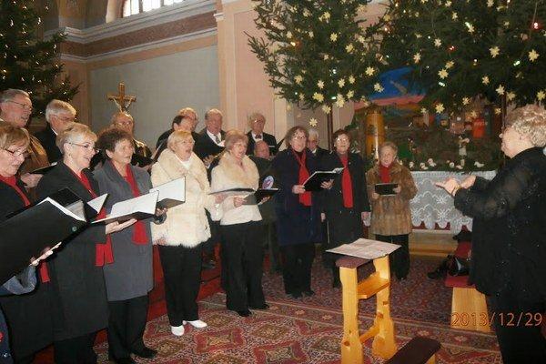 Z vianočného vystúpenia zboru.