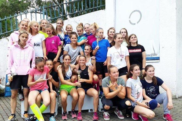 Dievčatá zo Športového gymnázia v Nitre postúpili na celoslovenské finále.