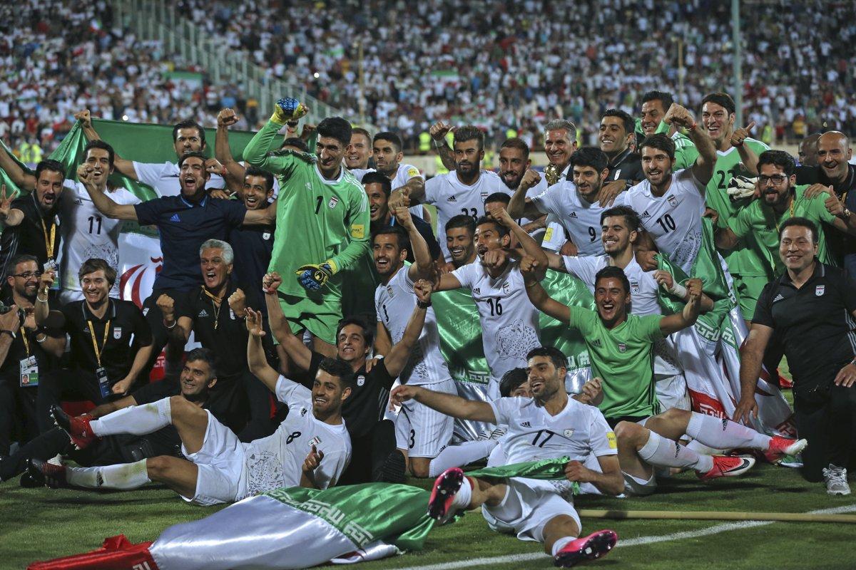 d71b8108e7b50 Takto futbalisti Iránu oslavovali postup na MS, teraz musia riešiť nečakané  problémy.