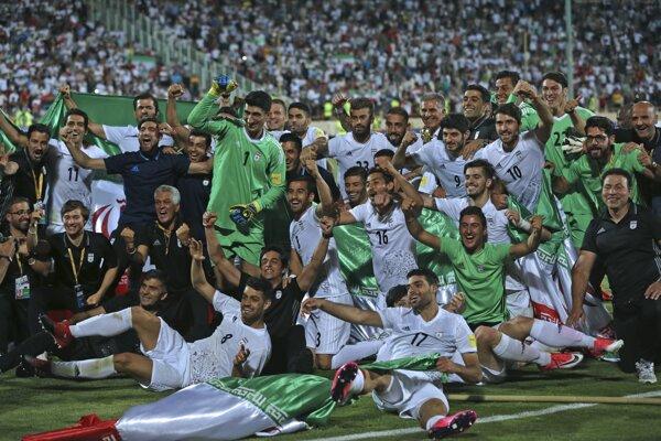 Takto futbalisti Iránu oslavovali postup na MS, teraz musia riešiť nečakané problémy.