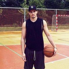 Braňo Rapáč má z doplnkových športov najradšej basketbal.