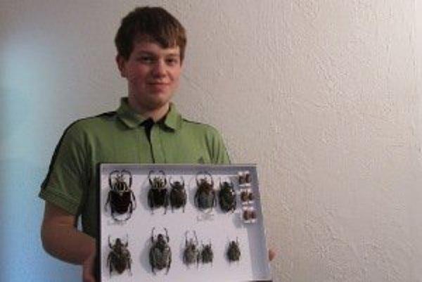 Marek so svojimi chrobákmi.