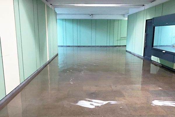 Zaplavený podchod v Dubnici.