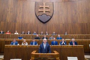Andrej Kiska v parlamente.